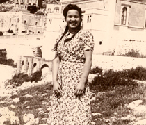 Edith (Esther) Rymald Horowitz a Santa Cesarea (1946)